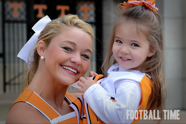 Chelsea and Tori the moment they met at Jr. Vol's Day