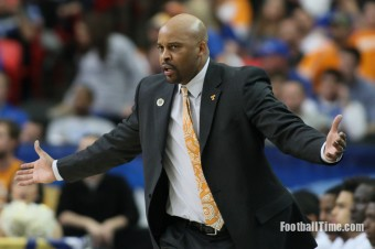 VolFeed: Cuonzo Martin Bolts, Twitter Reacts